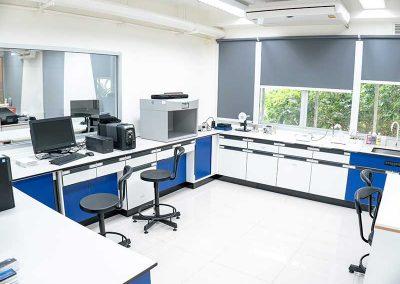 lab-room-testing-equipment